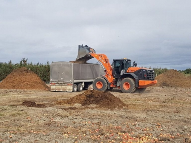Wayne loading mulch at Stieners Meanee 1 1
